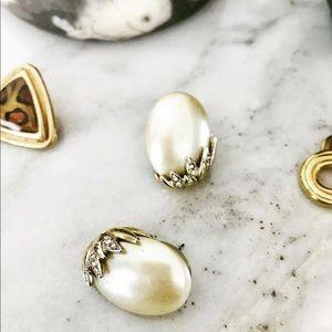 Vintage pearl look earrings